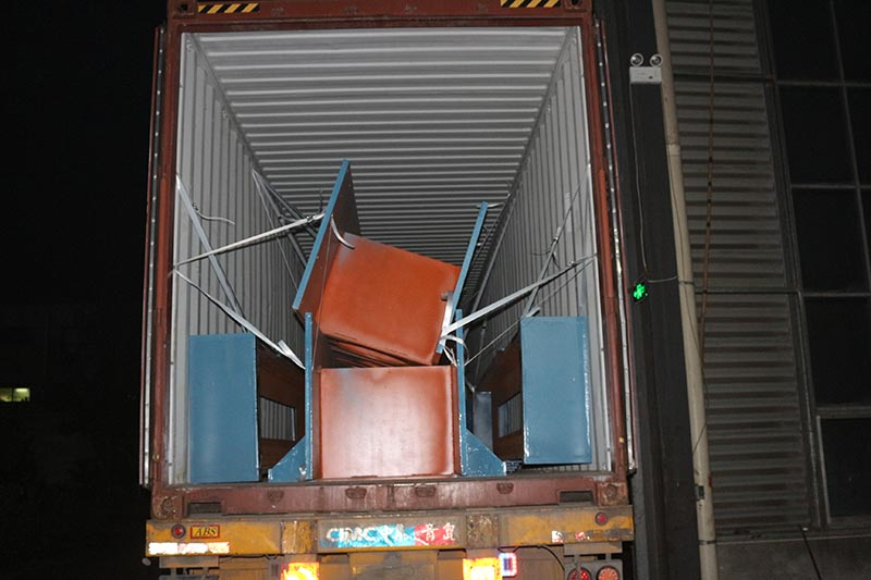 Geelong machinery exported three container:2sets plywood hot press machine and plywood necessary spare parts to our Indonesia clients